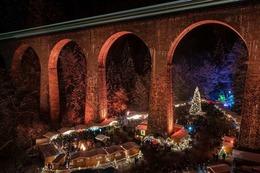 Fotos: Verschneiter Weihnachtsmarkt in der Ravennaschlucht