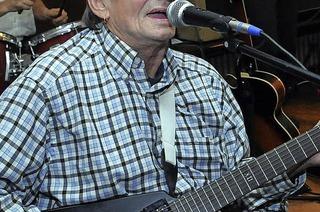 Die Band Versagendes Deo pflegt den Musikstil der 60er und 70er Jahre