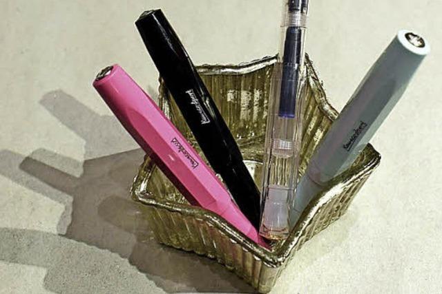 Ein schöner kurzer, kleiner Füller macht Schreibfreude