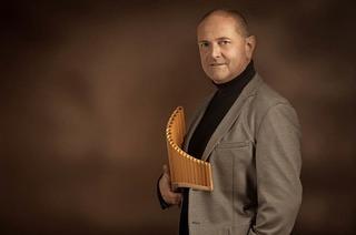 Panflötenvirtuose Oscar Javelot