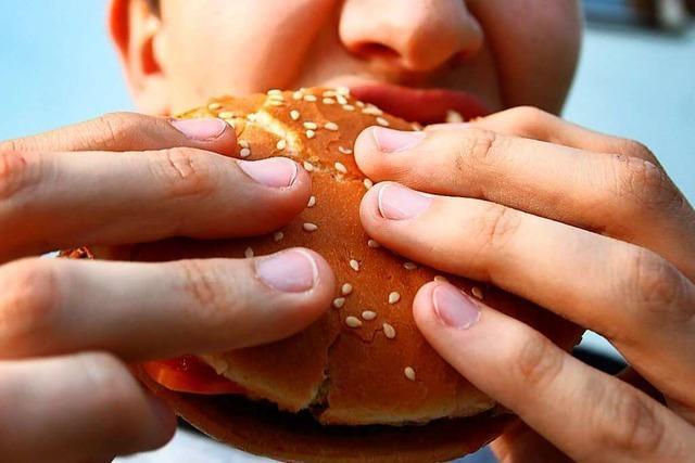 Betrunkener schlägt Mitarbeiter eines Lörracher Fast-Food-Restaurants