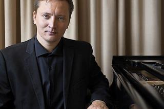 Der Pianist Gaidar Beskembirov spielt in Freiburg