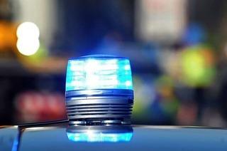 Auto überschlägt sich auf der A5 – Unfallverursacher flüchtet