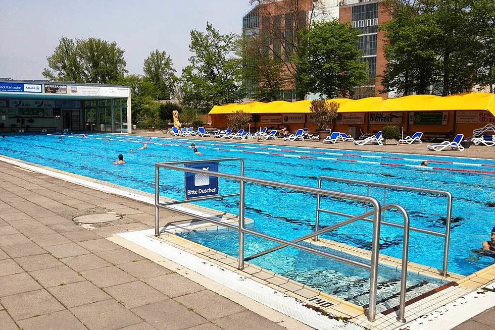 öffnungszeiten Sonnenbad Karlsruhe