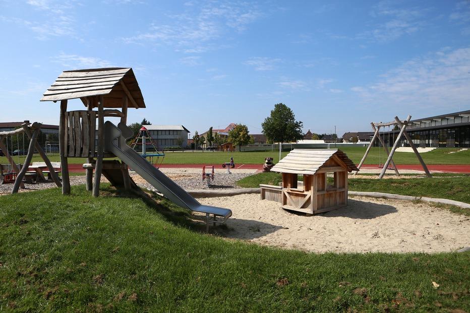 Spielplatz Riedhalle (Ichenheim) - Neuried