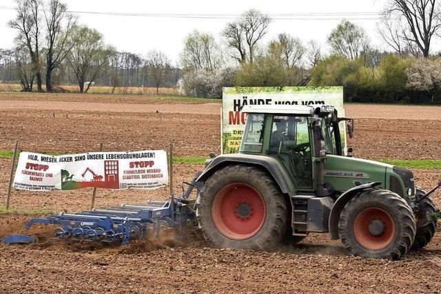 Freiburger Landbauern wehren sich gegen geplanten Stadtteil Dietenbach