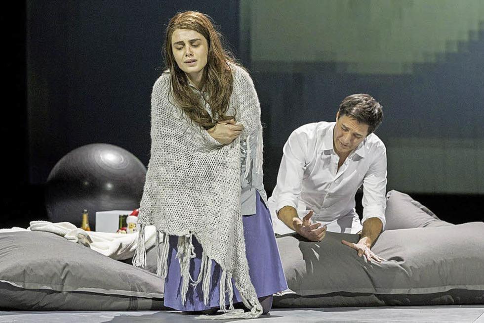"""Frank Hilbrich inszeniert die Puccini-Oper """"La Bohème"""" am Theater Freiburg - Badische Zeitung TICKET"""