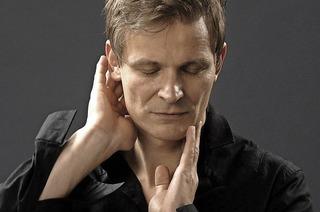 Christian Zehnder gastiert solo, im Duo und im Trio im Gare du Nord in Basel