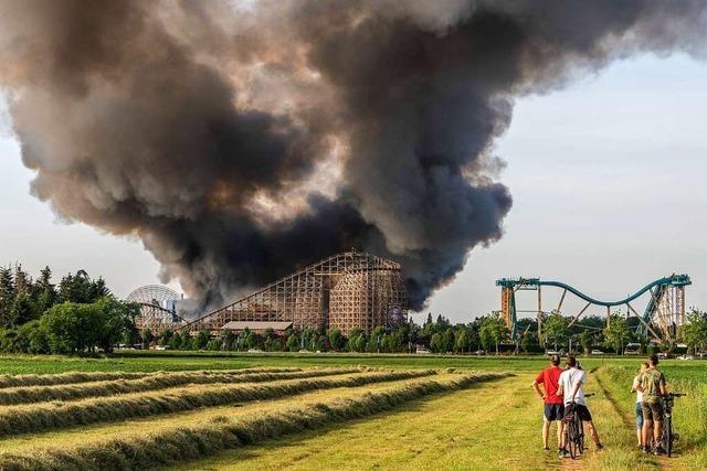 Polizei ermittelt wegen Drohnenvideo vom Brand im Europa-Park