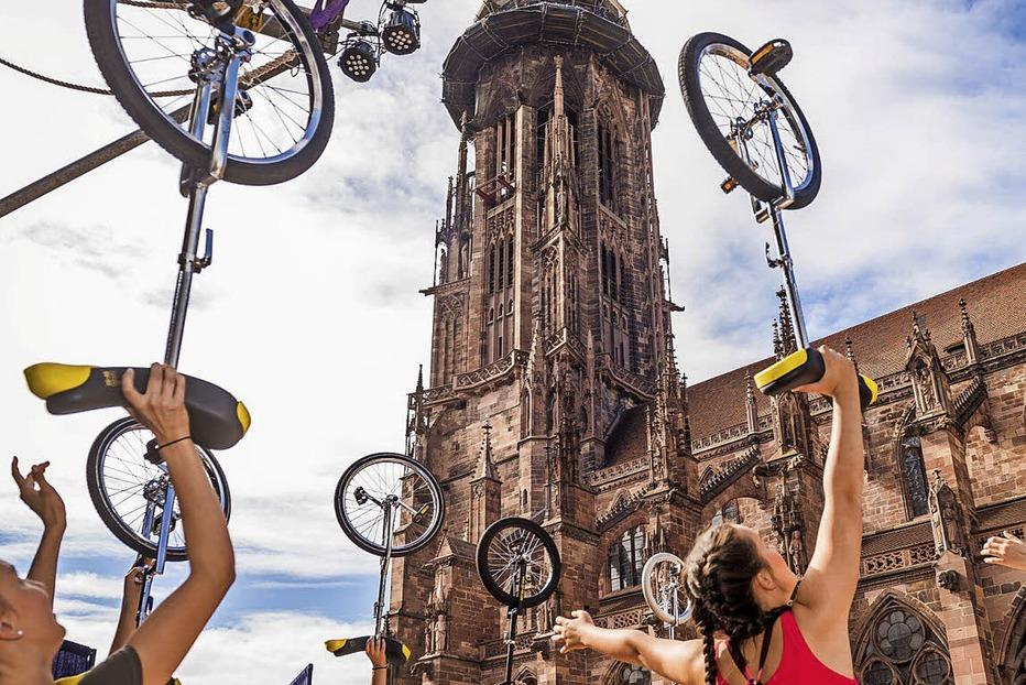 Benefiz auf dem Münster mit dem Circus Harlekin - Badische Zeitung TICKET