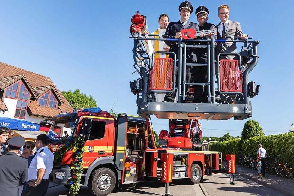 Beim Europa-Park-Brand wurde das Drehleiterfahrzeug der Feuerwehr Rust beschädigt - Badische Zeitung TICKET