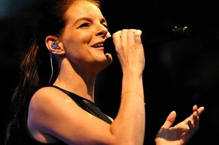 Fotos: Yvonne Catterfeld und Band beim Open Air im Park in Bad Krozingen