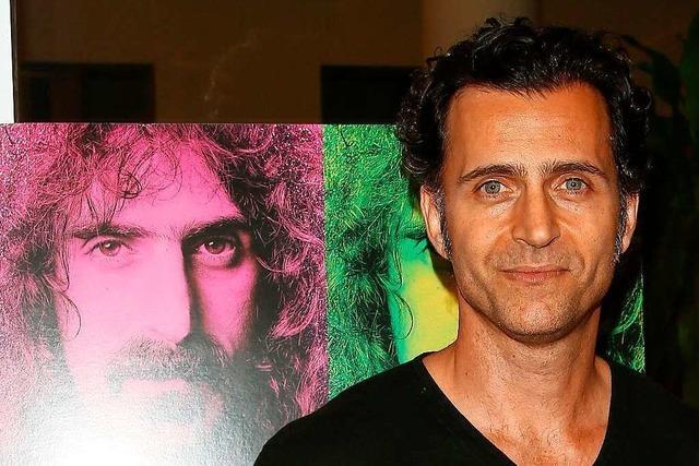 Dweezil Zappa: