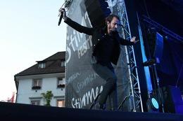 Fotos: Editors und The Ninth Wave beim Stimmen-Festival auf dem Marktplatz Lörrach