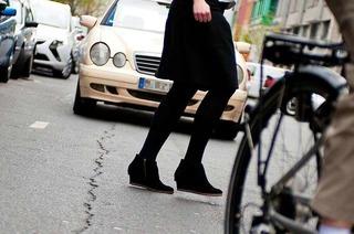 Ist der Fahrer schuld, wenn ein Fußgänger ihm vors Auto läuft?