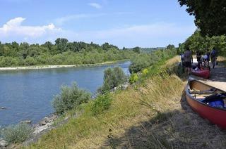 Kanutour des TRUZ auf dem Rhein bei Weil am Rhein