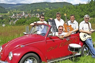 Mit der Schlagerband Old Rabbits in Lenzkirch