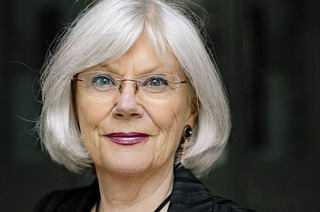 """Autorin Margret Greiner erzählt beim """"Theater im Hof"""" in Kandern-Riedlingen über die Malerin Charlotte Salomon"""