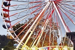Mit Riesenrad und Feuerwerk in Titisee-Neustadt