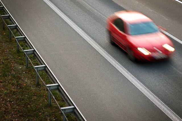 Wann dürfen Autos auf dem Standstreifen fahren?