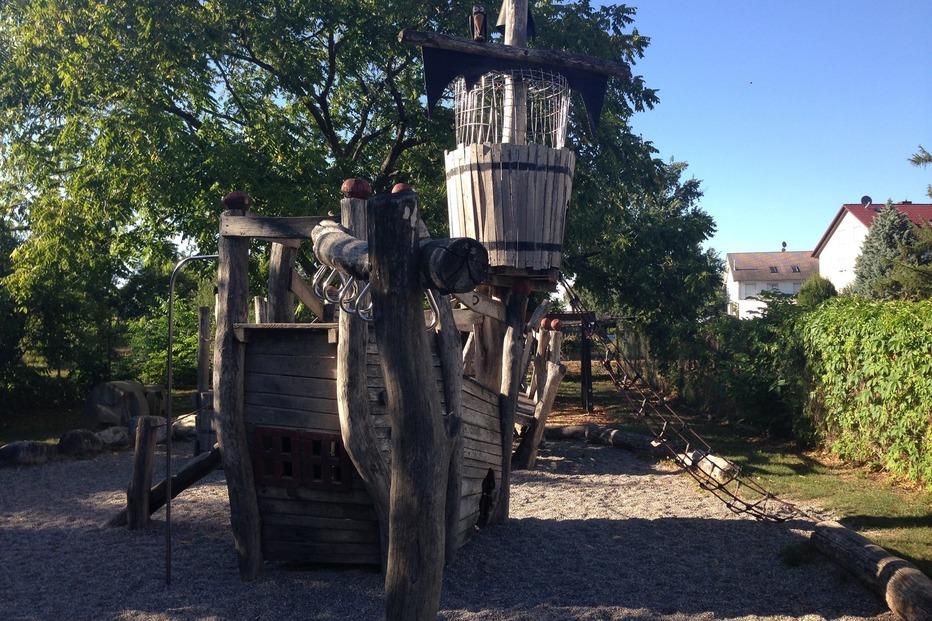 Piratenspielplatz Blumenstraße - Gundelfingen