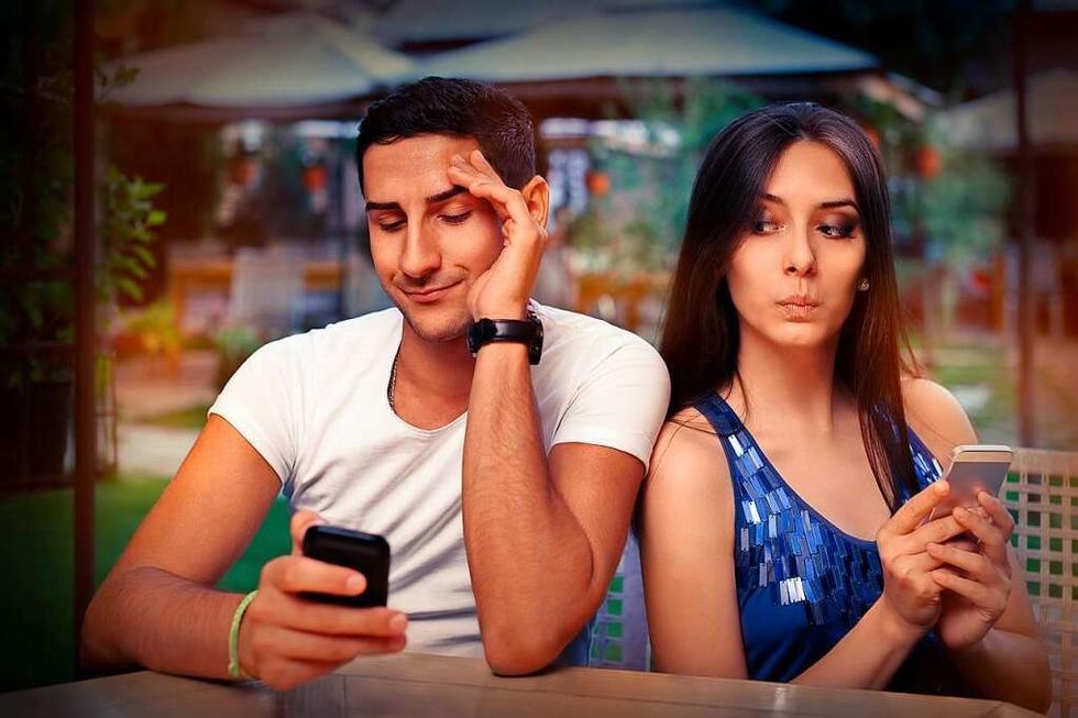 Ein Paartherapeut erklärt, wann Heimlichkeiten der Liebe schaden - Badische Zeitung TICKET