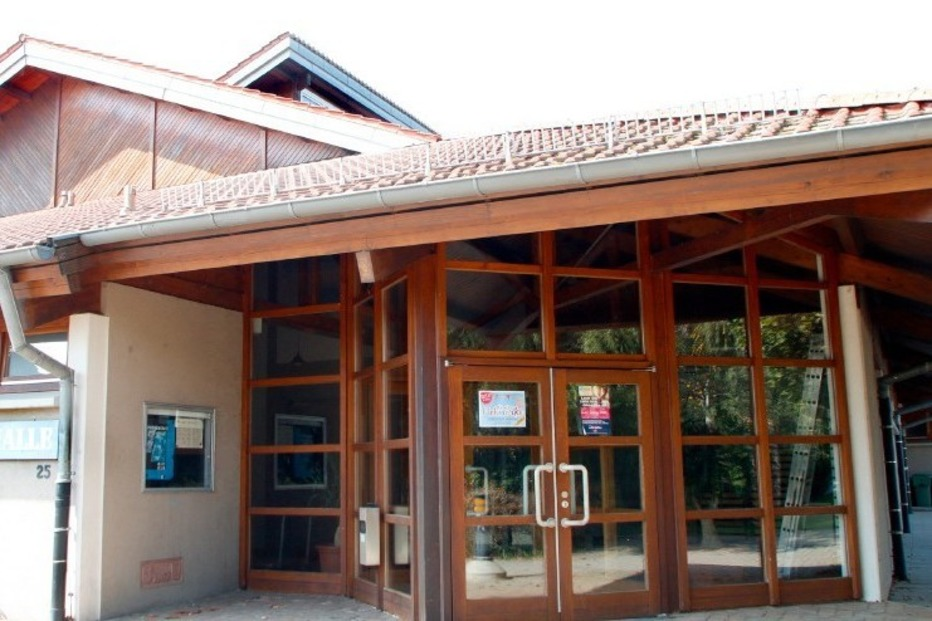 Lindenfeldhalle (Dundenheim) - Neuried