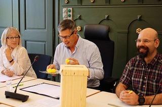 Bürgermeisterwahl in Schopfheim: Außen Schoki, innen Kandidat