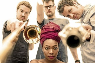 "Konzert des Jazztrios ""Three Fall"" mit Sängerin Melane"
