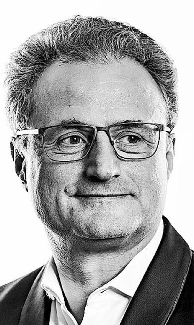 """Interview mit Dirigent Fabrice Bollon zur Freiburger Inszenierung von Peter Tschaikowskys """"Eugen Onegin"""" - Badische Zeitung TICKET"""
