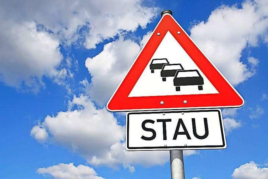 Fahrzeugbrand auf der Autobahn 5 – bis zu elf Kilometer Stau - Badische Zeitung TICKET