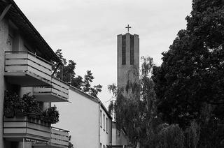 Evangelische Kreuzkirche (Stühlinger)