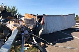 Lastwagenfahrer stirbt bei Unfall auf der A5 – lange Sperrung