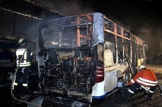 Linienbus in Seelbach brennt komplett aus – war es Brandstiftung?