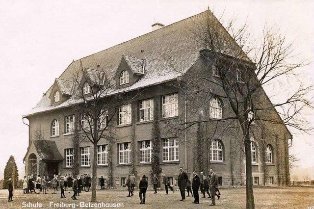 Ein Schulhaus in Freiburgs Westen, das es in sich hat
