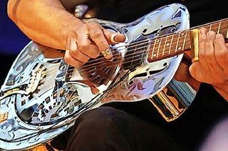 Wolfgang Kalb mit Blues Guitar in St. Märgen