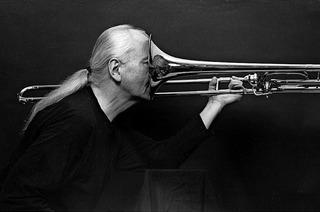 """Posaunist Conny Bauer und Band mit """"Longing for Freedom"""" im Lörracher Jazztone"""