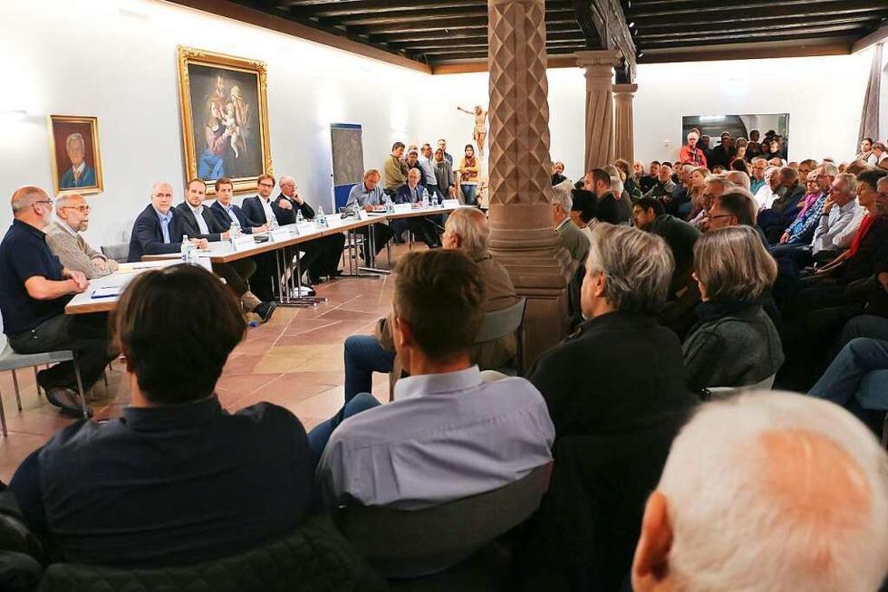 Bürgermeisterkandidaten stellen Ideen für die Zukunft von Endingen vor - Badische Zeitung TICKET