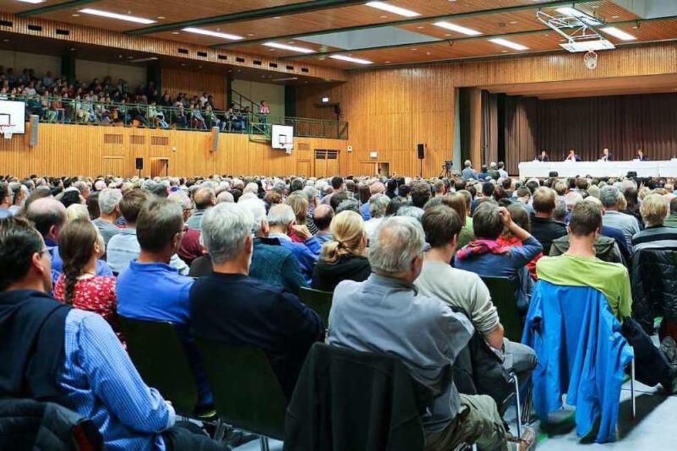 1700 Endinger wollten die Bürgermeisterkandidaten kennenlernen - Badische Zeitung TICKET