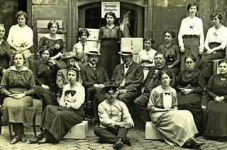Auf den Spuren von Frauen in unserer Stadt. Was hat sich seit der Einführung des Frauenwahlrechts 1918 für Freiburgerinnen verändert?