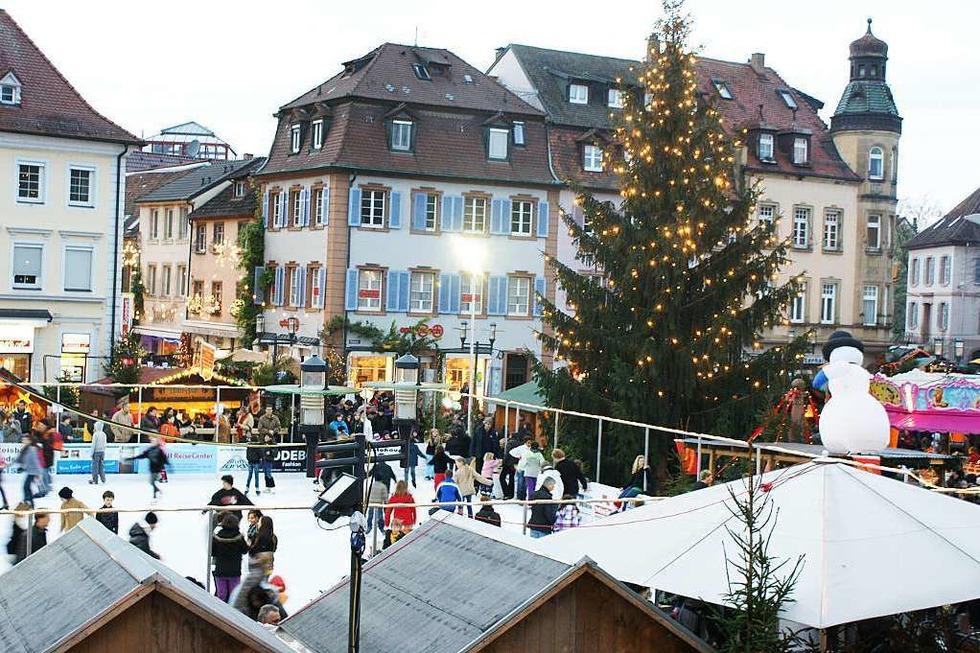 Kunsteisbahn Weihnachtsmarkt - Emmendingen