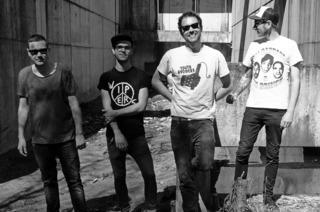Punkrockbands beim siebten Straight Ahead Festival im Alten Wasserwerk in Lörrach