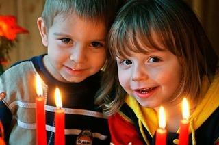 Märchen, Märkte, Mittelalter: So stimmungsvoll kann die Vorweihnachtszeit für Familien sein