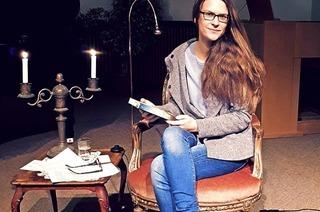 """Regine Schlude alias Mirka Mai stellt ihr Buch """"Merry Christmas"""" in Müllheim vor"""