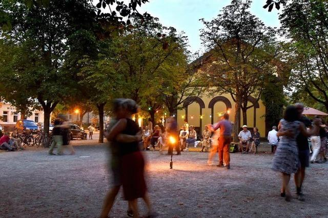 Turnschuh-Tango am Alten Wiehrebahnhof
