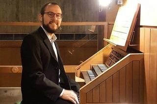 Julian Handlos zeigt an der Orgel Virtuosität und Feingefühl
