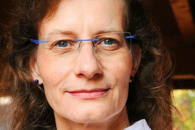 Ein Rundgang durch Heitersheim mit Bürgermeisterinkandidatin Ursula Schlegel
