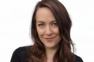 Kabarettistin Lisa Catena tritt im Vorderhaus auf