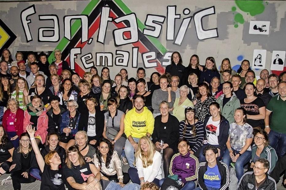 Ausstellung zu weiblichen Fans im Fußball - Badische Zeitung TICKET