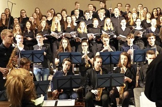 Konzert des Oberstufenchor und Bigband des Markgräfler Gymnasium in Badenweiler